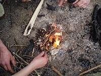 Видобуток, розведення вогню різними способами в екстремальних умовах та аварійних ситуаціях